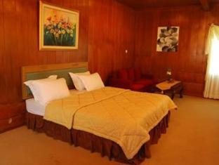 Bukit Alamanda Resort & Resto Garut - Kamar Tidur