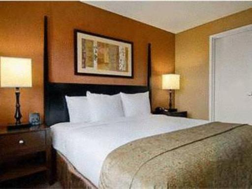 ➦  Hilton Worldwide    (Tennessee) customer rating