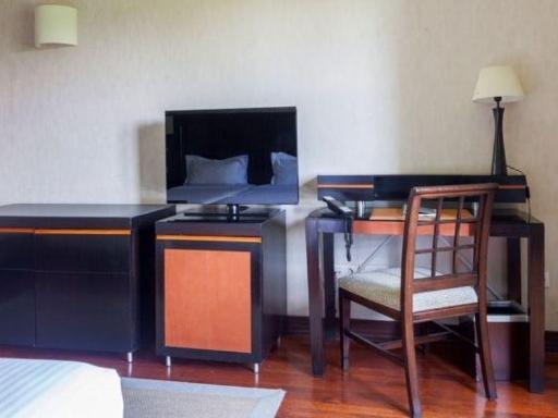➦  Marriott    (Castile and Leon) customer rating