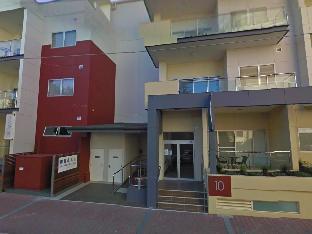 Glenelg Pacific Apartments4