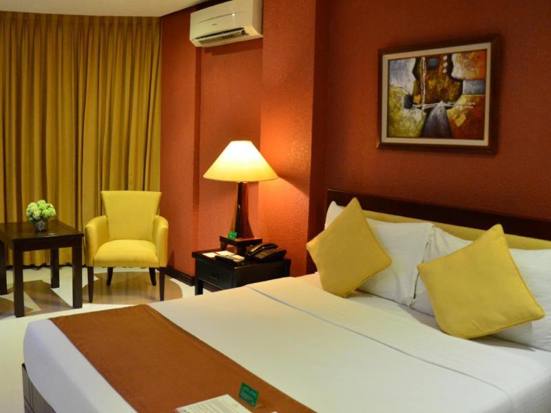 ホテル セントロ パラワン (Hotel Centro Palawan)