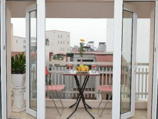 Golden Land Hotel Hanoi - Balcony/Terrace