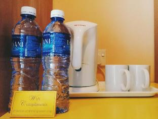 Aldy Hotel Stadhuys Malacca - Water and tea/coffee making facilities