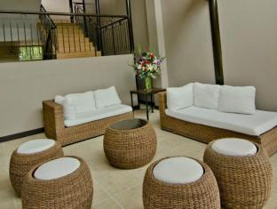 Camp Holiday Resort & Recreation Area Davao - Lobby