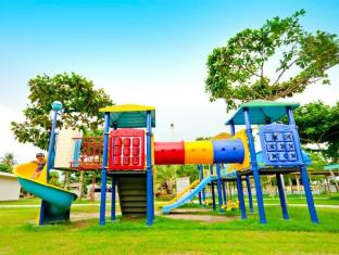 Camp Holiday Resort & Recreation Area Davao - Campo giochi