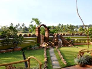 A's Holiday Beach Resort - Boutique Villas and Apartments South Goa - Garden