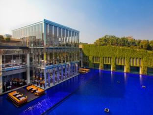 The Oberoi Hotel Gurgaon New Delhi and NCR - Hotel Exterior