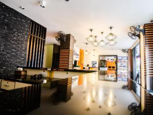 FunDee Boutique Hotel Patong Пукет - Лоби