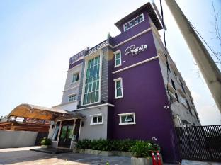 Potato Hotel Taiping - Exterior