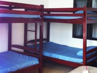 Mad House Phnom Penh - 4 Bed Dorm