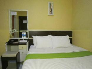 Wisma Sederhana Budget Hotel Medan - Kamar Tidur