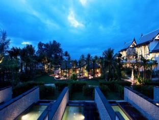 Natai Beach Resort & Spa Phang Nga פוקט - בריכת שחיה