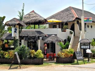 Charts Resort & Art Cafe Bohol - Resort Entrance