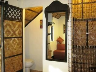 Charts Resort & Art Cafe Panglao Island - Garden Cottage