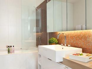 Northpoint Private Residence Club Pattaya - Master bathroom