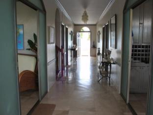 Linaw Beach Resort and Restaurant Bohol - Interior do Hotel