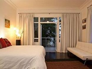The Grange Guest House Durban - family room