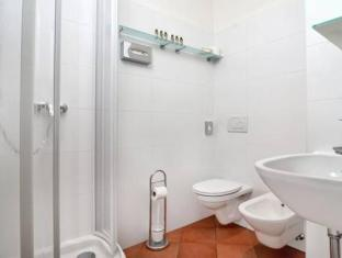 Villa Bulfon Hotel Velden am Worthersee - Bathroom