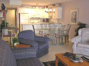 Casa Loma Lakeshore Resort