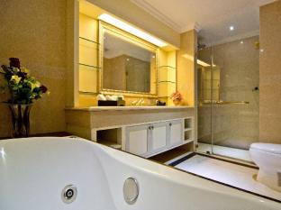 LK The Empress Pattaya - Deluxe Jacuzzi King Bed