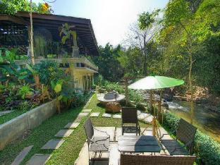 at NaTa Chiangmai Chic Jungle guestroom junior suite