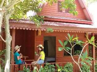 Baan Panburi Village At Yai Beach guestroom junior suite