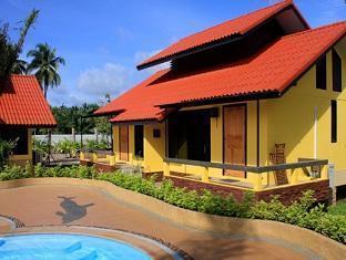 Tanisa Resort guestroom junior suite