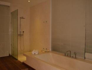 Villa Thila Bali - Bathroom