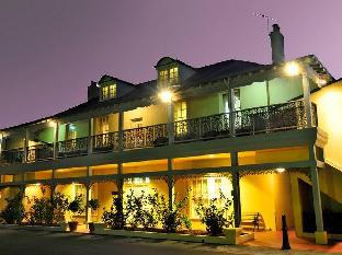 The Clifton Motel and Grittleton Lodge