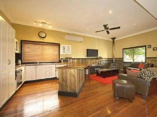 Top of the Range Retreat PayPal Hotel Armidale
