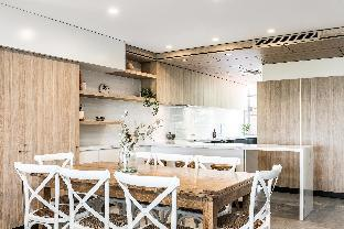 11 James Cook Apartment5