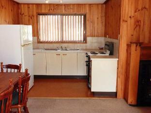 Hunter Hideaway Cottages2