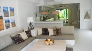 Terrace Frangipani  2 bedrooms garden and pool