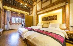 Shuhe Room-Mr.Ye and Ninty Nine Landladies, Lijiang
