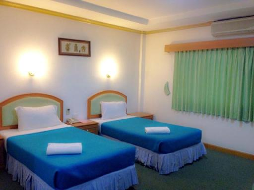 Srisupan Grand Royal Hotel hotel accepts paypal in Chum Phae