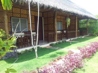 Villa Belza Resort Panglao Island - Queen Air condition Bungalows