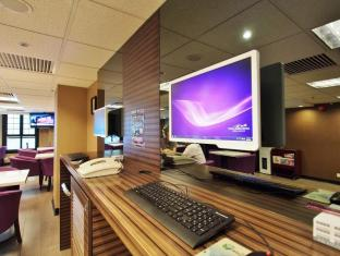 The Bauhinia Hotel - Central Hongkong - Inne i hotellet