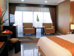 Danau Toba Hotel International Medan - Vendégszoba