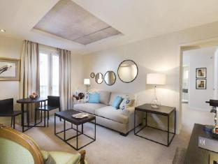 Hotel Balmoral Champs-Elysees Paris - upper floor family room