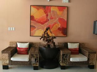 Allure Hotel & Suites Mandaue City - Lobby