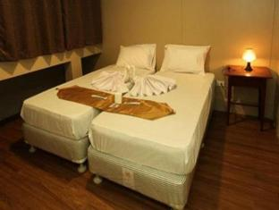 Salem Domestic Guesthouse Manila - Standard Twin with Private Bathroom