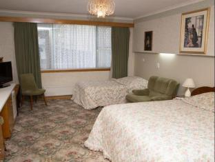 Motel Mayfair on Cavell Hobart - Standard Triple with Ensuite
