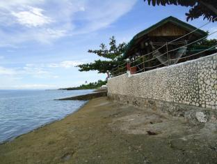 Bonita Oasis Beach Resort Cebu City - Strand