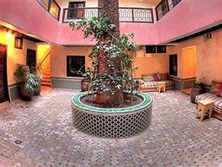 Djemaa El Fna Hotel Cecil Marrakech - The Inner Courtyard