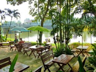 Hollanda Montri Guesthouse Chiang Mai - Sodas