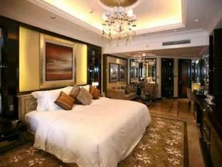 Chateau Star River Minhang All Suite Hotel Shanghai - Guest Room