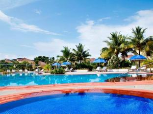 Radisson Blu Resort Goa Cavelossim Beach Goa Selatan - Kolam renang