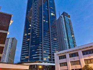 Meriton Serviced Apartments Adelaide Street Brisbane - Exterior