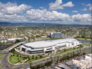 Meriton Serviced Apartments Broadbeach Gold Coast - Gold Coast Convention and Exhibition Center