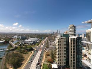 Meriton Serviced Apartments Broadbeach Gold Coast - View